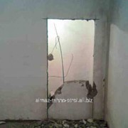 Демонтаж стен и перегородок фото
