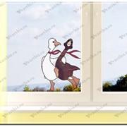 Дизайн окна в детской комнате витраж два веселых гуся
