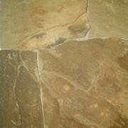 Песчаник пластушка серо-зеленый (корич. оттенок) 1-1,2 см фото