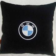 Автомобильная подушка BMW черная фото