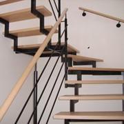Изготовление у Установка лестницы на косоурах фото