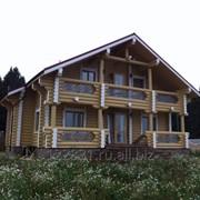 Загородный дом с рубленного бревна фото