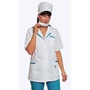 Медицинские костюмы и халаты фото