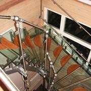 Лестничные ограждения из полимерного стекла фото