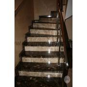 Облицовка лестниц мрамором фото
