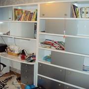 Изготовление мебели под заказ, Стол со шкафами в детскую на заказ фото