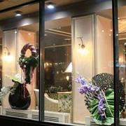 Украшение цветами витрин фото