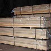 Различные пиломатериалы из Сибирской лиственницы и из других пород дерева. фото