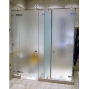 Стеклянные двери в ванную комнату фото