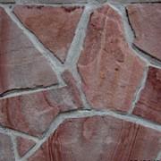 Камень природный красный фото