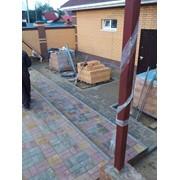 Тротуарная плитка ступени и клумбы из бордюров