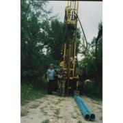 Услуги по бурению и ремонту скважин, рытью колодцев фото