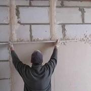 Оштукатуривание потолков по маякам фото