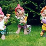 Гном с баклажаном-фигурка садовая фото