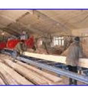 Предприятия прозводящие стройматериалы Производство и продажа пиломатериалов. Столярное производство:окна, двери, мебель. Услуги: деревообработка, доставка. фото