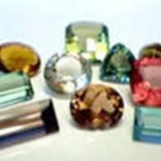 Камни драгоценные, ювелирные изделия из них фото