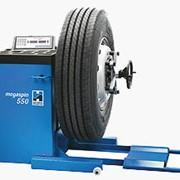 Цифровой балансировочный станок для грузовых и легковых коммерческих транспортных средств Megaspin 550 фото