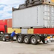 Услуги контейнеровоза фото