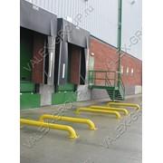 Тамбуры перегрузочные и колесные направлящие для складов фото