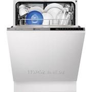 Встраиваемая посудомоечная машина Electrolux ESL7320RO фото