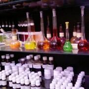 Натуральные и химические добавки для продуктов питания и напитков. фото