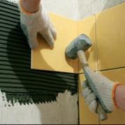 Облицовка керамической плиткой, Симферополь, профессиональная укладка плитки, керамогранит, мозаика, подготовка поверхностей под укладку облицовочным материалом.