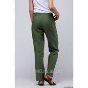 Льняные брюки с задними карманами фото