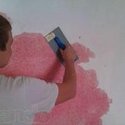 Нанесение шелковой декоративной штукатурки Silk Plaster фото