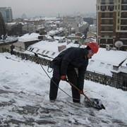 Услуги по уборке снега, мойке фасада фотография