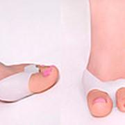 Протектор переднего пальца с межпальцевой перегородкой и кольцом на второй палец фото