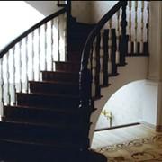 Купить ступени для лестниц из дерева для дома в Москве