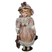 Кукла коллекционная Чеслава 107085 40 см фото