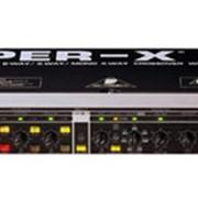 Стерео 3-х/моно 4-полосный кроссовер с лимитерами Behringer SUPER-X PRO CX3400 фото