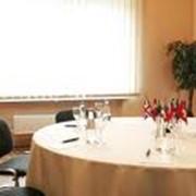 Проведение конференций, круглых столов фото