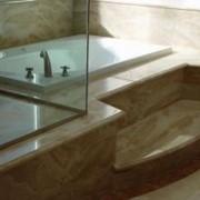 Облицовка ванных комнат натуральным камнем (мрамор, гранит, оникс)