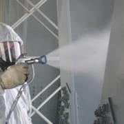 Нанесение огнезащитным составом деревянных конструкций, зданий и сооружений фото