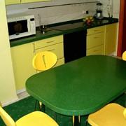 Кухонные / обеденные столы из камня фото
