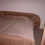 Номера «Стандарт» двухкомнатные, с основным спальным местом двуспальной кроватью и дополнительными местами на мягком уголке - находятся на первом и втором этажах. Номер рассчитан на двух человек + два дополнительных места фото