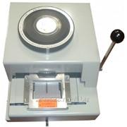 Аппарат для выдавливания знаков в пластиковых картах Эмбоссер Vektor BW, ручной фото
