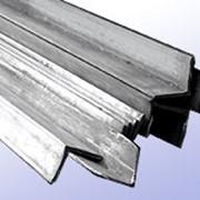 Уголок крепежный стальной фото