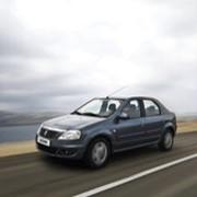 Автомобиль Renault Logan фото