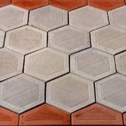 Укладка тротуарной плитки брусчатки, мы предоставляем услуги укладки тротуарной плитки брусчатки фото