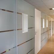 Мы изготавливаем и устанавливаем конструкции любой сложности. Все установленные нашей компанией конструкции имеют гарантию качества. фото