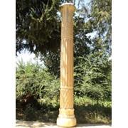 Архитектурные резные колонны из дерева фото