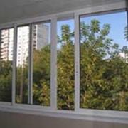 Раздвижные балконные системы из алюминия фото