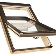 Окно для крыши со средне-поворотным открыванием FAKRO