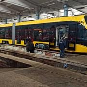 Испытания трамвая украинского производства фотография