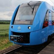 Alstom представила водородный поезд фотография