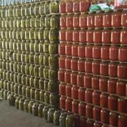 Ассорти из огурцов и помидоров от производителя фото