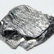 Тантал, светло-серый с синеватым отливом металл фото